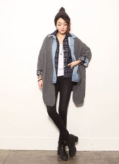 multiple layered outfit gray sweater, flannel, white shirt, black skinny jeans, denim jacket shirt