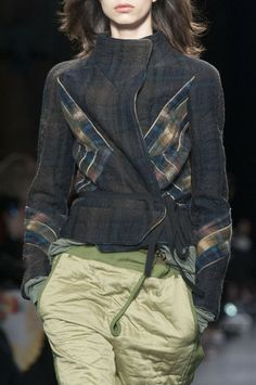 Isabel Marant Fall 2014 Ready-to-Wear Detail - Isabel Marant Ready-to-Wear Collection Isabel Marant, 2015 Fashion Trends, Fashion Ideas, Sew Your Own Clothes, Fashion Calendar, Cool Style, My Style, Winter Wardrobe, Sweater Jacket