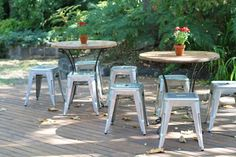 22 Ideas For Outdoor Cafe Seating Courtyards Banquette Seating In Kitchen, Dining Room Bench Seating, Cafe Seating, Booth Seating, Outdoor Seating Areas, Outdoor Cafe, Outdoor Decor, Courtyard Cafe, Classroom Seating Arrangements