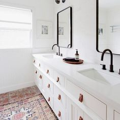 Oh, hey cute bathroom with your leather pulls and brick floor!  Don't forget to share your home snaps in our #SMmakelifebeautiful feed! Design by @lada_webster : @amybartlam