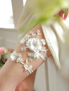 Wedding Garter Set Pearl by woomipyo