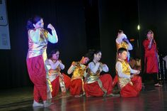 Students with Intellectual Disability of the ANWESHA- THE QUEST Dance group dancing to a Bengali Song specially created for the Include Vidya Campaign Function in Kolkata.