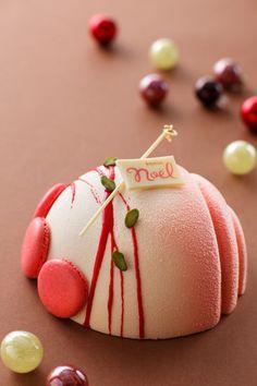 東京・新宿の「ハイアットリージェンシー東京」のクリスマスケーキが一新されている。