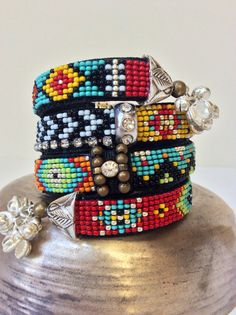 Beadwork Friendship bracelet with seed beads by perlinibella