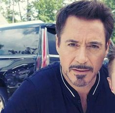 "1,104 Beğenme, 21 Yorum - Instagram'da Robert Downey Jr. (@kialadowneyjr): ""That sparkle in his eyes  #robertdowneyjr #rdj"""