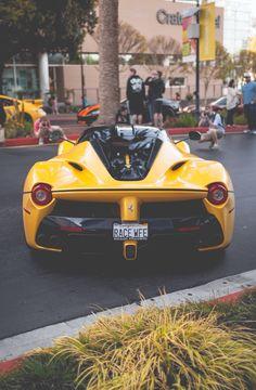 Ferrari Laferrari | Teino's technicality asto an config. manag.: https://www.facebook.com/photo.php?fbid=10207150182055442&set=a.1410943156129.2058732.1308992193&type=3&theater
