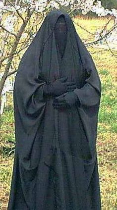 Overhead Abaya with Niqab and Gloves Arab Girls Hijab, Girl Hijab, Muslim Girls, Beautiful Muslim Women, Beautiful Hijab, Muslim Culture, Muslim Beauty, Abaya Designs, Islam