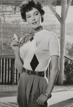 Ava Gardner casual sportswear sweater pants belt! 50s vintage fashions style movie star icon
