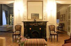Cápsula do tempo no estilo francês. Apê em Buenos Aires guarda décor vintage