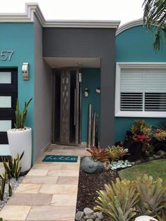 Exterior Paint Colors For House, Dream House Exterior, Paint Colors For Home, Exterior Colors, Modern House Colors, Modern Small House Design, Home Wall Colour, House Outside Design, Facade House