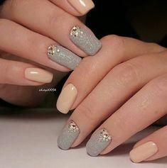 Uñas Con Piedras Doradas (4) Weding Nails, Bride Nails, Dream Nails, Love Nails, My Nails, Blue Nail Designs, Wedding Nails Design, Short Nails Art, Rainbow Nails