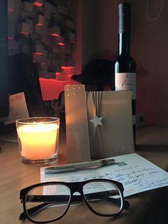 Ayer por la noche enviamos el primer ejemplar de la edición 'Christmas15' de la #novela #SiDeVERDADPudiera Viaja desde Urban a UK. Gracias a aquellos q creen y apuestan por maridar el mundo de las #letras con un ejemplar de #vino dulce Etim Tardana 2012