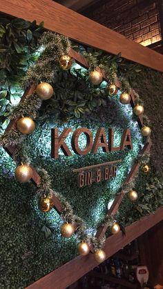 Welcome #koala #gin #bar #leon #gto #nightlife Trendy Bar, Gin Bar, Gto, Nightlife, Christmas Wreaths, Holiday Decor, Home Decor, Make Envelopes, Decoration Home