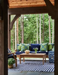 Outdoor Living Room designed by Traci Zeller. Lacefield Outdoor Pillows. Navy and Green. #outdoor #southernmade