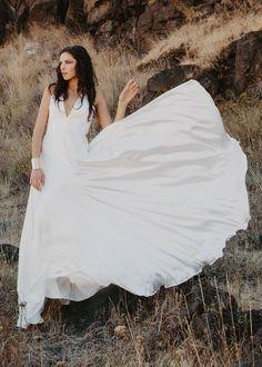 V Neck Ivory Sleeveless Floor Length Simple A-line Wedding Dress