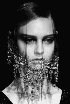 Giorgio Armani Prive A/W Haute Couture Armani Prive, Giorgio Armani, Fashion Details, Fashion Design, Couture Details, Paris Fashion, Fashion Fashion, Fashion Beauty, Blog Couture