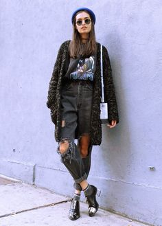 Pin by skye blue sasnett on grunge outfits уличный стиль мод Fashion Guys, Look Fashion, 90s Fashion, Fashion Outfits, Fashion Trends, Trendy Fashion, Fashion Black, Modern Grunge Fashion, Autumn Fashion Grunge