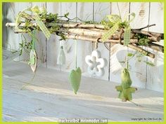 A spring-fresh window decoration made of real birch . A spring-fresh window decoration made of real birch branches and ar Spring Images, Birch Branches, Deco Nature, Decorative Objects, Diy Home Decor, Diy And Crafts, Handmade Home, Diy Projects, Windows