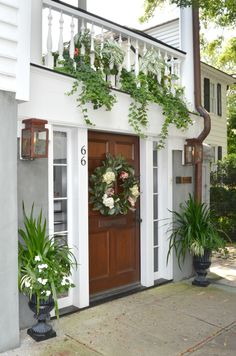 Charleston SC Magnolia Wreath House