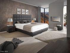 Schlafzimmer modern  kleine-schlafzimmer-modern-creme-wandfarbe-holzlatten-bett ...
