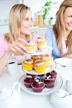 Get tips on how to avoid social sabotage. Don't let meeting with friends or going out ruin all of your hard work with your #weightloss