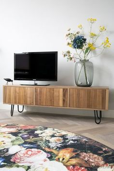 IKEA Hack: Spice up TV furniture with steel legs - Home Accessories Best of 2019 Tv Stand Sideboard, Ikea Hacks, Ikea Stockholm, Ikea Decor, Tv Furniture, Steel Furniture, Muebles Living, Ikea Living Room, Italian Home