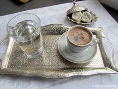 Turkse koffie, Türk kahvesi.