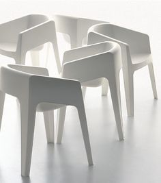 monobloc variation  Max Design, Toronto chair