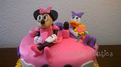 Minnie Mouse and Daisy Duck Fondant pieces.