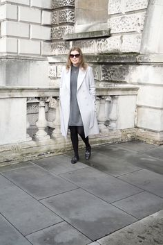 winter outfits london Fall / Winter Outfit with a - winteroutfits Fall Winter Outfits, Autumn Winter Fashion, Gucci Disco, Gucci Loafers, Fallen London, Fashion Group, Gray Coat, Fashion Flats, Sweater Outfits