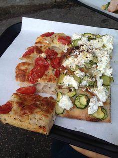 Pizzarium Bonci - Pizza con Pachino e Mozzarella e Pizza con zucchine, 5 tipi di pepe, zest di limone e ricotta di pecora