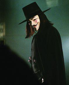 """Hugo Weaving en """"V de Vendetta"""" (V for Vendetta), 2005 V For Vendetta Wallpapers, Movie Wallpapers, Animes Wallpapers, Hugo Weaving, V Pour Vendetta, Best Superhero Movies, Anonymous Mask, 480x800 Wallpaper, Hong Kong Art"""