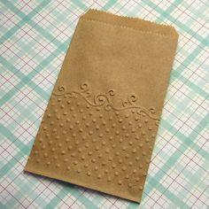 20 Kleine Kraft Paper Bags geprägte Punkte und von SomersetMarket, $6.95