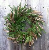 pheasant feathers, larch cones and conifer Christmas Wreaths To Make, Christmas Door, How To Make Wreaths, Rustic Christmas, Winter Christmas, Christmas Decorations, Winter Wreaths, Christmas 2017, Table Decorations