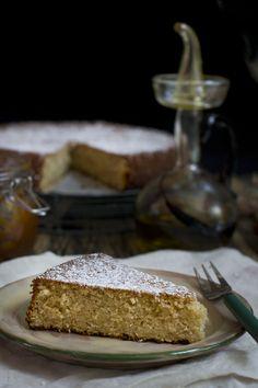 Olive oil and almonds cake - receta de bizcocho de aceite de oliva y almendras