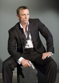 Daniel Craig.....