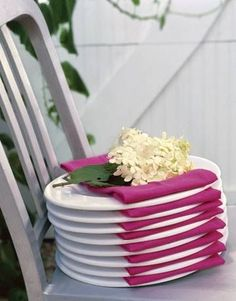 Pretty Plate Display-- great for a Buffet style party!