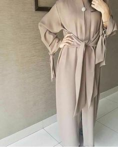 Contemporary Robes, long cardigans, Abaya, Modest Fashion and Hijab style Modern Hijab Fashion, Arab Fashion, Islamic Fashion, Muslim Fashion, Modest Fashion, Fashion Outfits, Fashion Muslimah, Fashion Beauty, Modest Wear