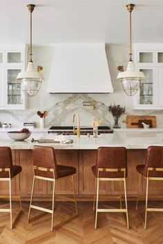 Fantastic modern kitchen room are offered on our site. Have a look and you will not be sorry you did. Classic Kitchen, Farmhouse Style Kitchen, Modern Farmhouse Kitchens, Home Decor Kitchen, Kitchen Furniture, Home Kitchens, Kitchen Ideas, Kitchen Inspiration, Contemporary Kitchens