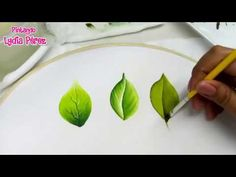 Como Pintar Hojas En Tela Fácil / Painting On Fabric How To Paint Leaves Acrylic Painting Techniques, Painting Videos, Painting Tips, Painting Leaves Acrylic, Tole Painting, Fabric Painting, Donna Dewberry Painting, Fabric Paint Designs, Paint Color Palettes