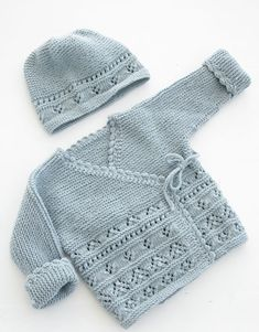 Odeta / DROPS Baby - free knitting patterns by D .- Odeta / DROPS Baby – The set includes: Knitted jacket with knitted sleeves and shoes with lace pattern and ridges for babies. The set is knitted in DROPS BabyMerino. Baby Sweater Patterns, Knit Baby Sweaters, Knitted Baby Clothes, Knit Patterns, Free Baby Knitting Patterns, Knitted Baby Cardigan, Cardigan Pattern, Jacket Pattern, Knitting Sweaters