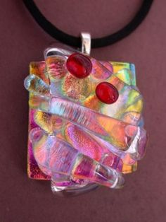 love this dichroic fused glass pendant Dichroic Glass Jewelry, Fused Glass Art, Glass Necklace, Glass Pendants, Mosaic Glass, Stained Glass, Mosaic Mirrors, Mosaic Wall, Glass Fusion Ideas