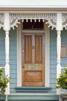 Victorian Homes Exterior, Victorian Porch, Folk Victorian, Victorian Cottage, Victorian Architecture, Architecture Details, Victorian Houses, Old Victorian Homes, Victorian Farmhouse