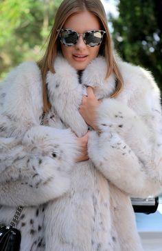 Chinchilla Fur Coat, Rabbit Fur Coat, Fox Fur Coat, Long Jackets, Ladies Jackets, Mens Fur, White Fur, Fur Fashion, Fur Collars