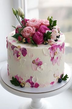 20 Amazing Wedding Cakes from Kasadelika – Hi Miss Puff Cute Cakes, Pretty Cakes, Yummy Cakes, Beautiful Cakes, Amazing Wedding Cakes, Amazing Cakes, Wedding Cakes With Cupcakes, Cupcake Cakes, Mini Cakes
