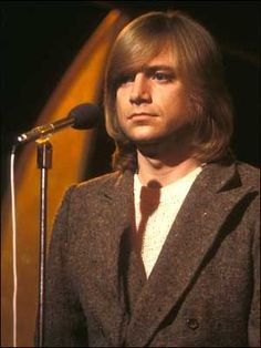 Justin Hayward turns 68 today - he was born 10-14 in 1946. Justin is singer/songwriter/guitarist with The Moody Blues since 1966 and their evolution into a progressive rock band with Days of Future Past in 1967. Hayward wrote Question, Tuesday Afternoon, many other of the Moody's most recognized songs.