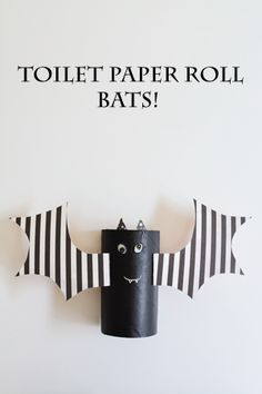 Looking for a fun, super-easy bat craft for Halloween? We made this craft for kids from empty toilet paper rolls, and the kids love them!