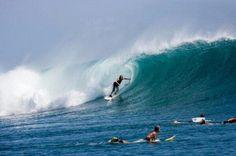 Pantai 'kidal', arah sapuan ombaknya ke kiri, bukan ke kanan spt umumnya. Pantai Lakey, Dompu, Sumbawa #PesonaIndonesia #Travel