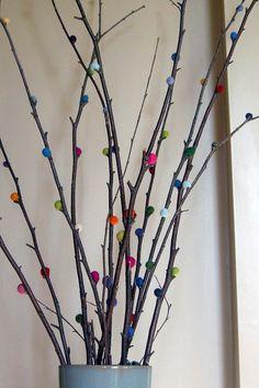 Ramas decoradas con lana fieltrable y mini jardín - Wayaiulandia