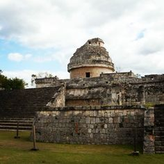 "The observatory, also known as ""El Caracol"" is one of the most representative os Chichén Itzá."